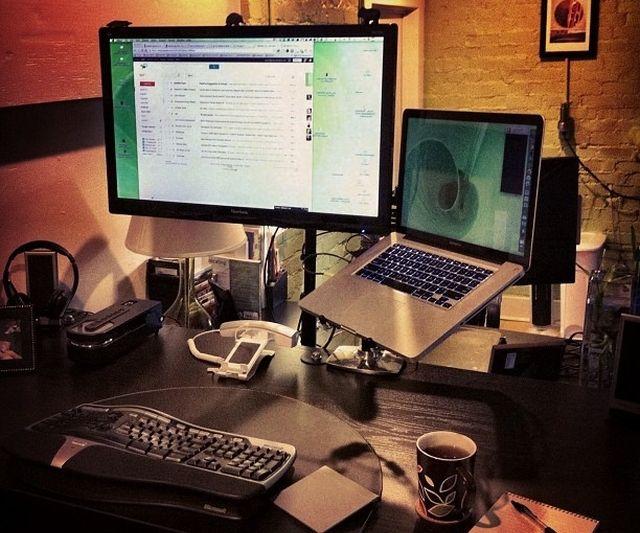 11 Desk con los montajes
