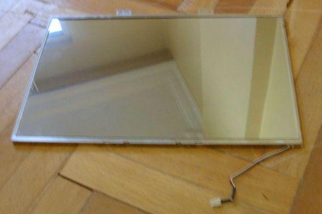 3-formas-de-reutilizar-old-ordenador-monitor de espejo roto