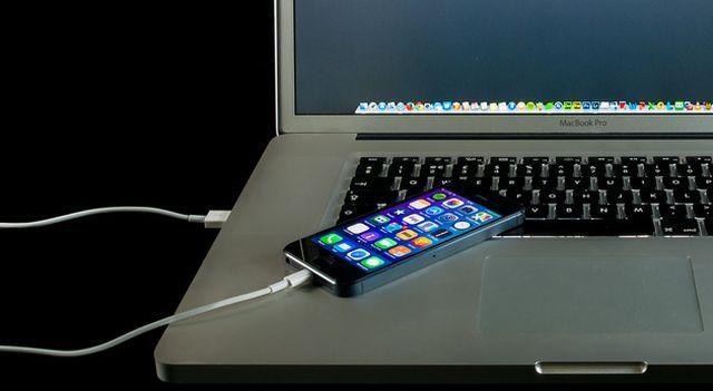 How-To-Charge-Teléfono-rápido-USB-Power