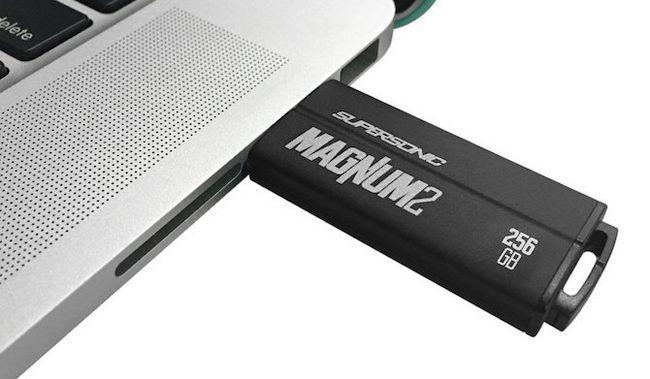 más rápido USB flash-conduce-patriota-supersónica-magnum-2
