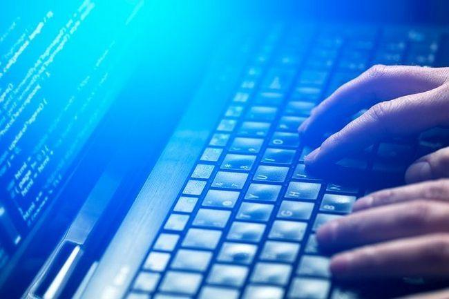 pulsan en el teclado del ordenador portátil
