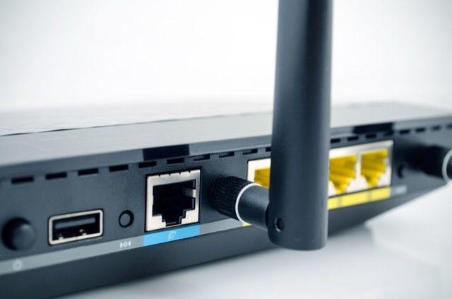 Router-adjuntos