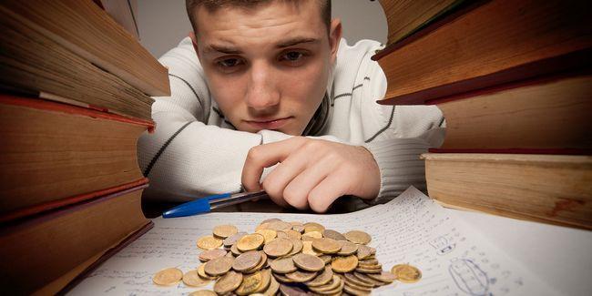 8 Maneras de ahorrar dinero cuando se va a la universidad