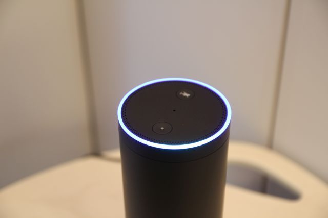 Amazon Echo porción superior brillante