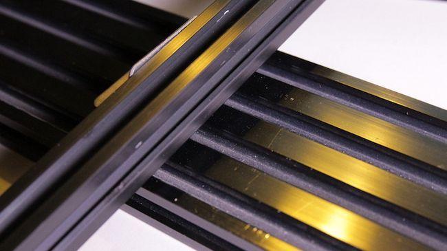 La extrusión de aluminio unidos en ángulo recto