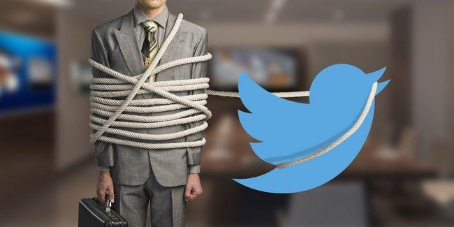 ¿Usted consiguió atornillado por una empresa? Llevarlo a twitter!
