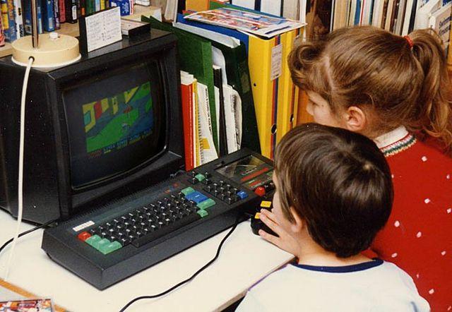 Niños en el ordenador