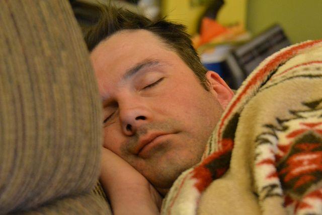 dormir-hombre