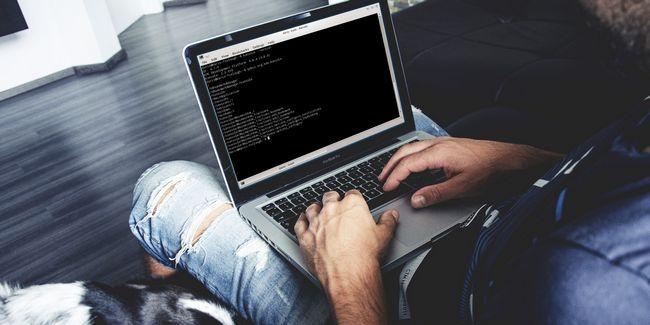 Cómo personalizar konsole, el terminal emulador por defecto de kde