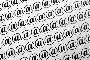 Aprender a enviar el mismo correo electrónico a numerosos destinatarios.
