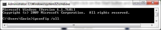 Símbolo del sistema ipconfig todo