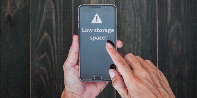 Cómo sobrevivir usando un viejo teléfono android sin memoria interna