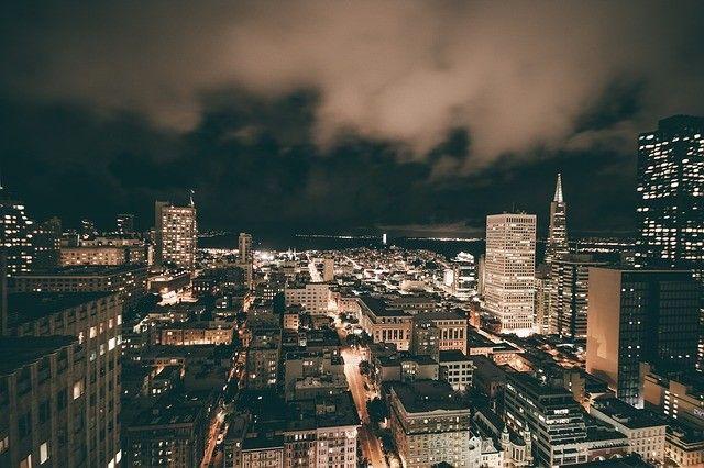 noche-cielo-ciudad