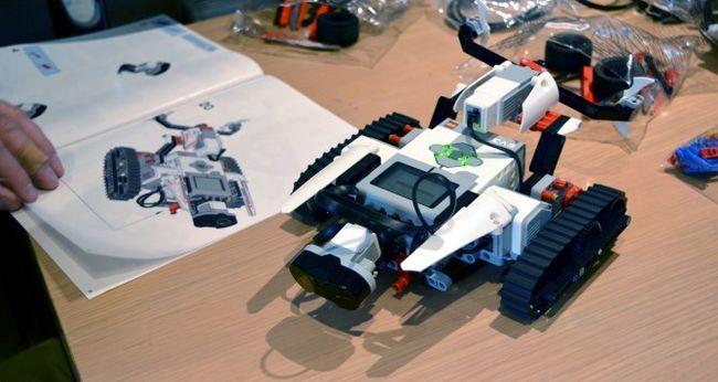 Muo-hardwarereview-Lego Mindstorms y construcción