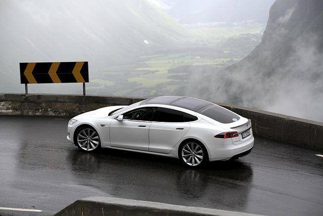 640 píxeles-EV_Rally_Trollstigen_Tesla_Model_S