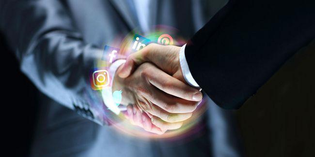 Los pros y los de redes profesionales en las redes sociales