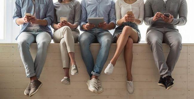 jóvenes con aparatos