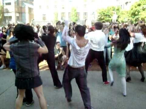 Lo que es un flash mob es y cómo se puede participar
