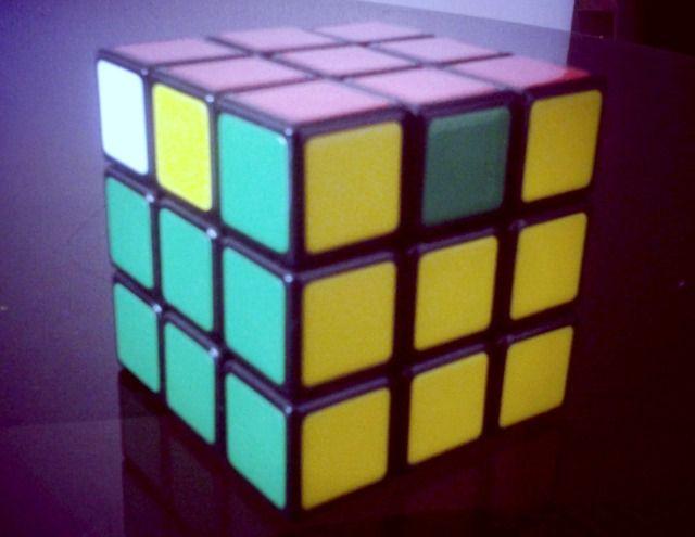 piezas de esquina de color amarillo de igualación