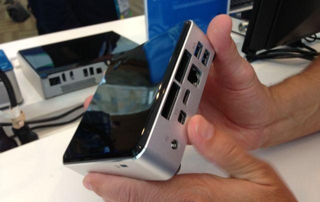 lo-hace-a-mini-pc-mejor-mini-pc-a-comprar-Intel-nuc a mano