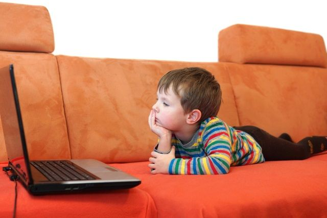 Muo-seguridad-control paterno-niño de observación