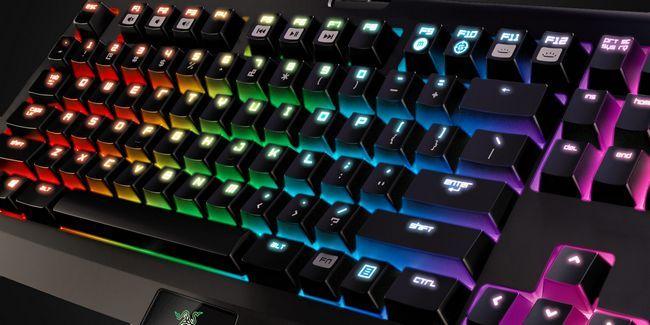 ¿Qué teclado mecánico debe usted comprar? 6 teclados para los mecanógrafos y jugadores