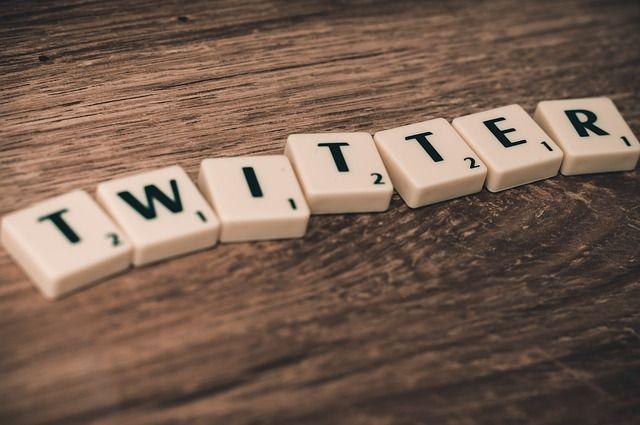 twitter-WhatsApp-twitter-scrabble